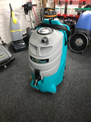 VERSACLEAN 500H CARPET EXTRACTION CLEANER